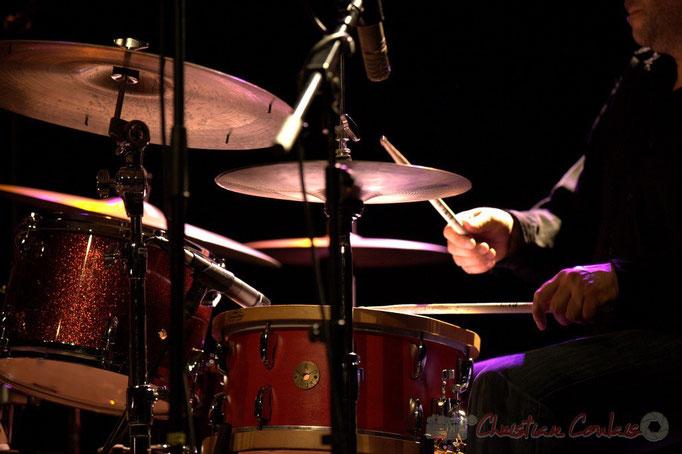 """""""Jeu de mains sur batterie"""" Denis Bielsa; Slobodan Sokolovic Sextet. Festival JAZZ360 2012, Cénac. 08/06/2012"""