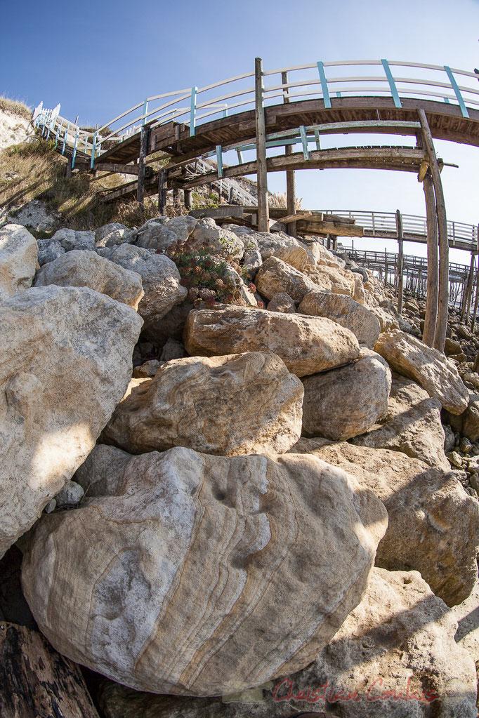 Pontons et carrelets, la roche du Caillaud, Talmont-sur-Gironde