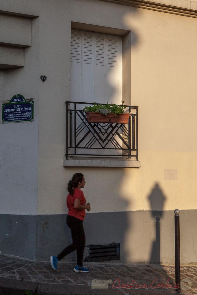 Joggeuse, Place Jean-Baptiste Clément, Monmartre, Paris 18ème arrondissement