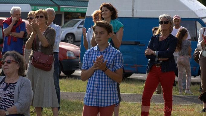 Festival JAZZ360 2015, à dr. Simone Ferrer, ancienne Maire de Cénac, place du bourg de Cénac, 12/06/2015