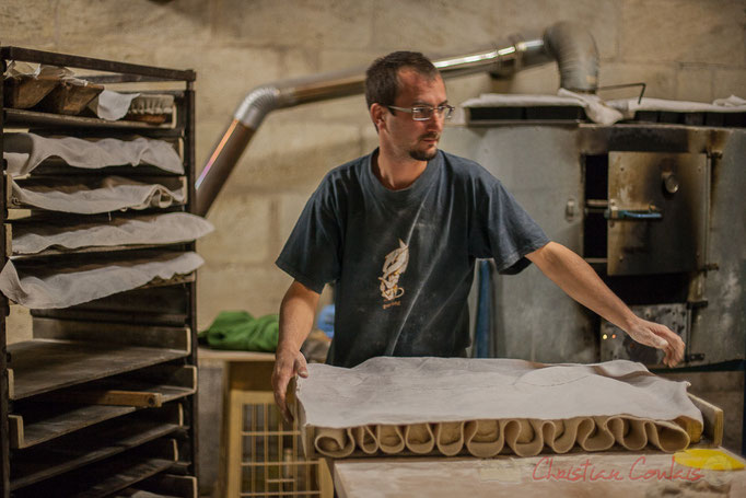 """Mise en repos du pain aux lin et tournesol, Ferme du petit baron """"Videau"""" Baron; jeudi 24 septembre 2015"""