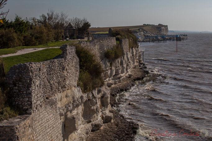 Promenade des remparts avec vue sur la Roche de Caillaud, Talmont-sur-Gironde