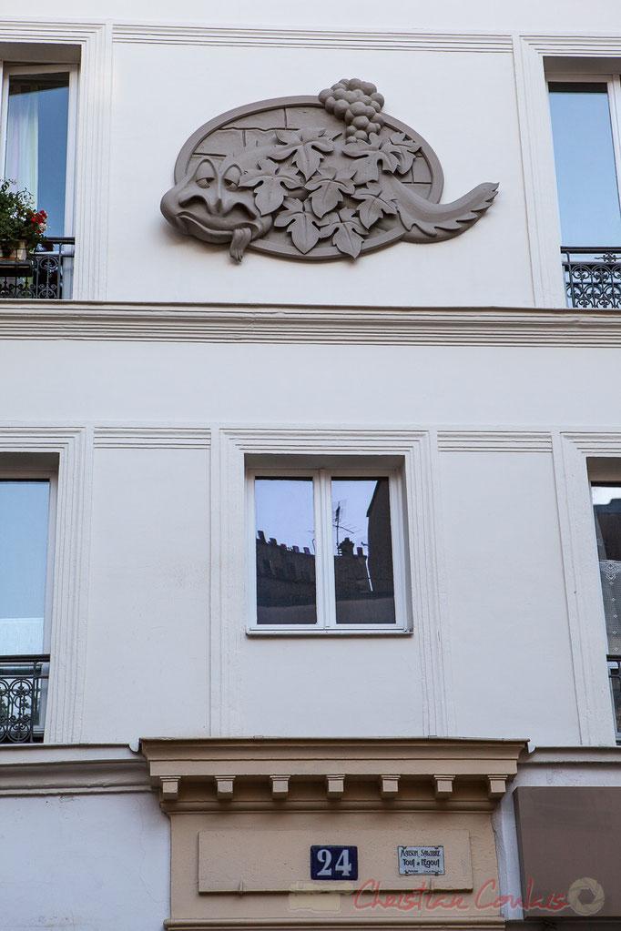"""""""Maison salubre Tout à l'égout"""", Paris 19ème arrondissement"""