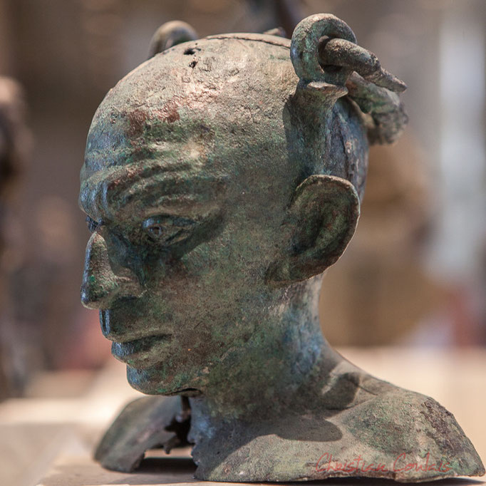 Vase à parfum, buste de syrien (? Lutteur d'origine orientale ?), II-IIIème après JC, Musée du Louvre