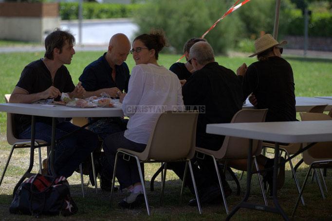 Pendant ce temps Jazzméléon Trafic se restaure. Festival JAZZ360 2014, Delbosque Band. Cénac, 07/06/2014