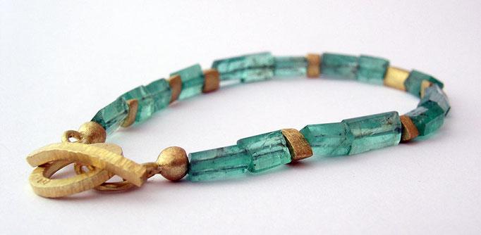 Raw tourmaline bracelet, 18KY