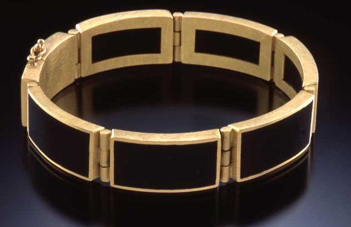 Ebony hinge bracelet, 18KY