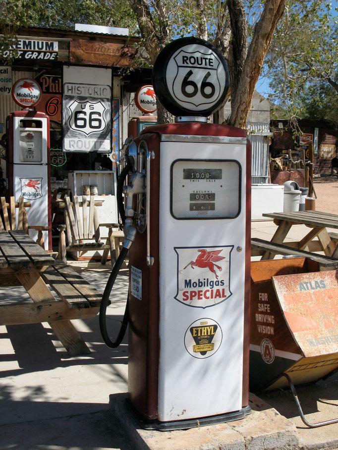 Alte Tankstelle an der Route 66, USA