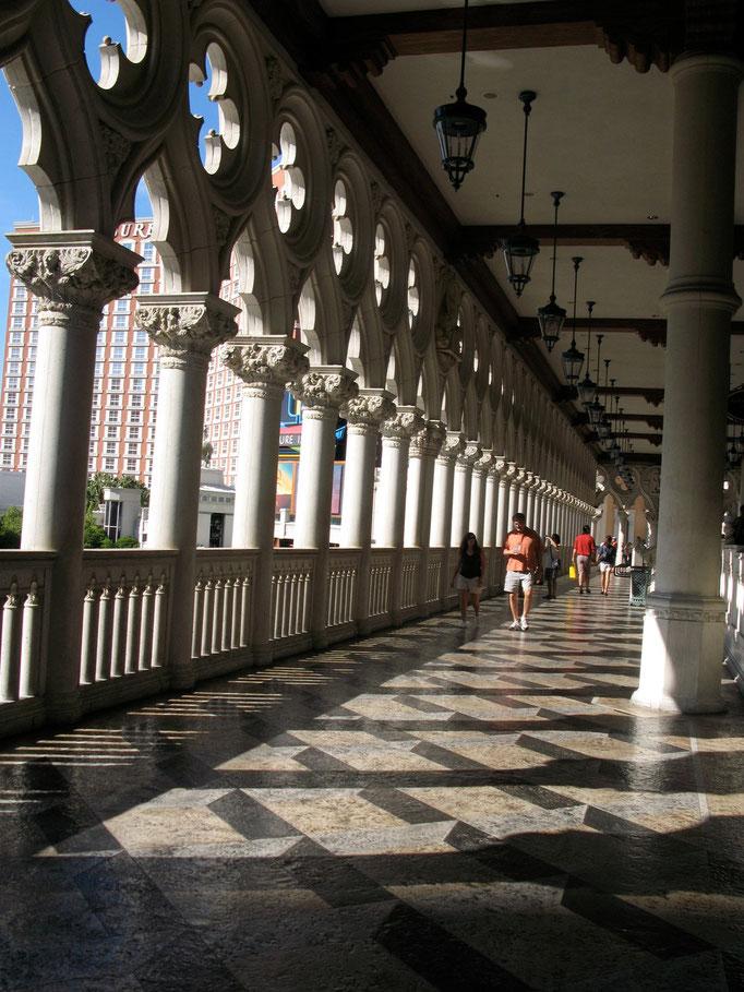 Hotel Venezia in Las Vegas