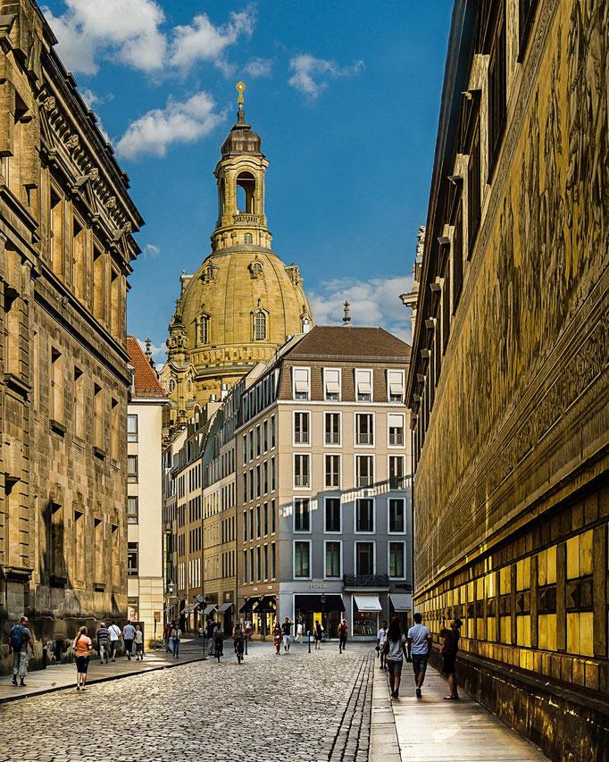 Dresden. Frauenkirche mit Fürstenzug.