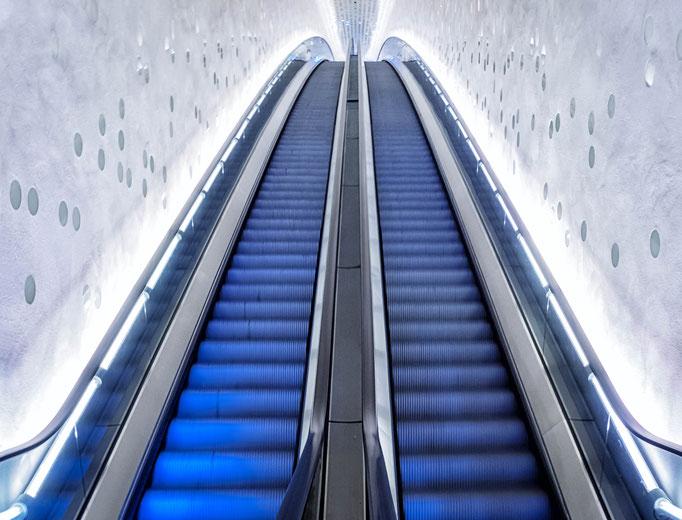 Hamburg. Escalaor to Plaza.