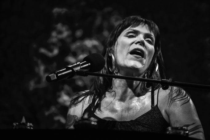 Beth Hart - Laiterie Strasbourg, 11/2015.
