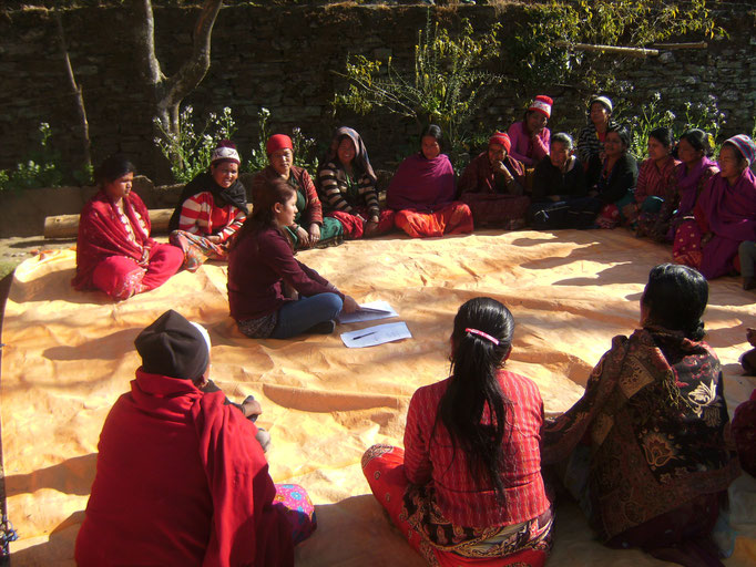 Unterricht unserer Nurse Binu Basnet in Nepal