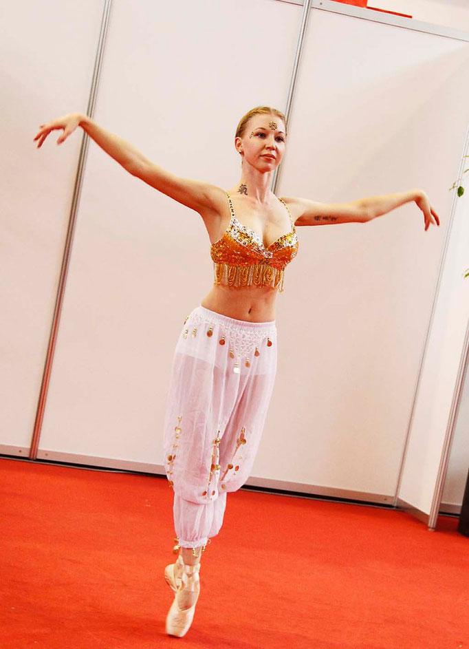 """Arabischer Tanz Messe """"Leben"""" Werfthalle Göppingen"""