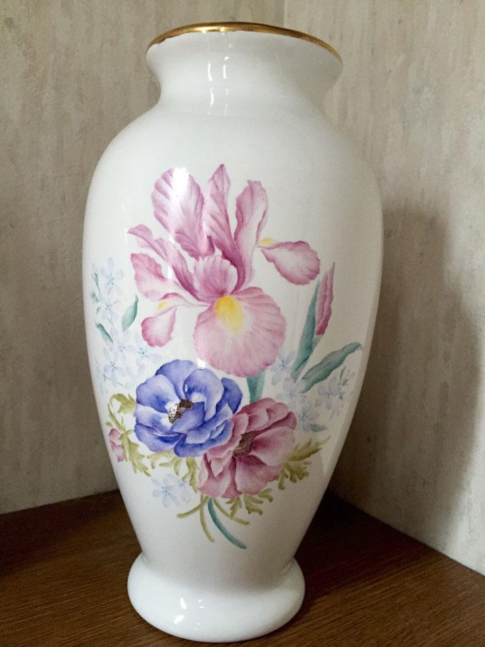 陶画舎デザインを参考に描かれました