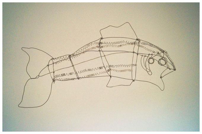 großer Fisch aus Draht (Schattenspiel-Objekt)