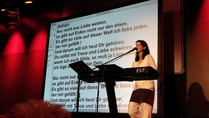 Singen mit Frau Höpker