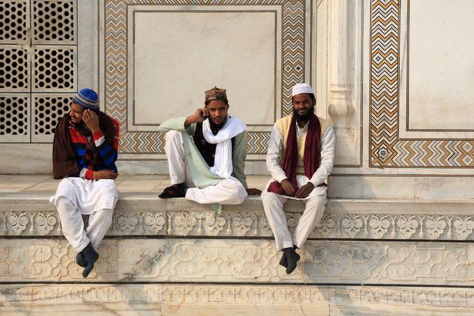 Locals am Taj Mahal