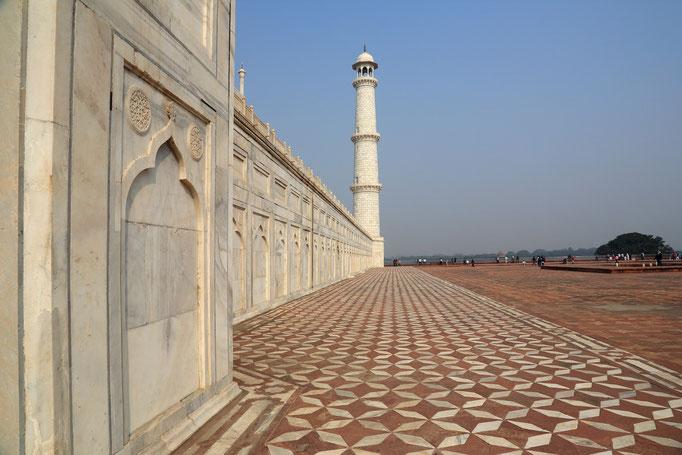 Außenmauer des Taj Mahal