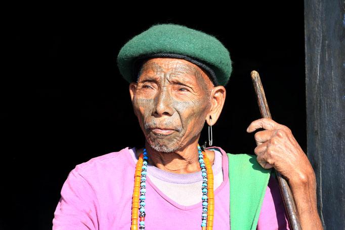 Die letzten Kopfjäger und ihre Nachkommen Nagaland