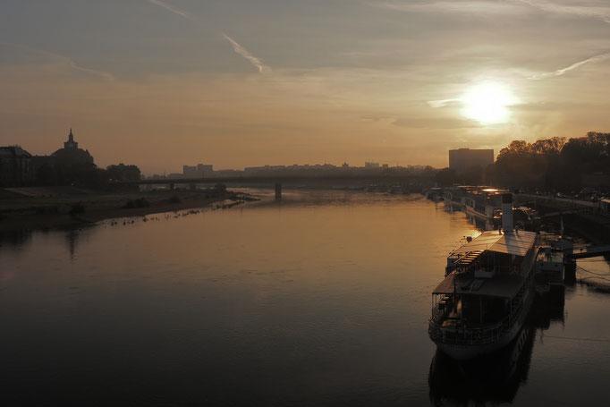 DD_Sonnenaufgang über der Elbe