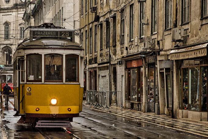 Linie 28 im Stadtteil Baixa