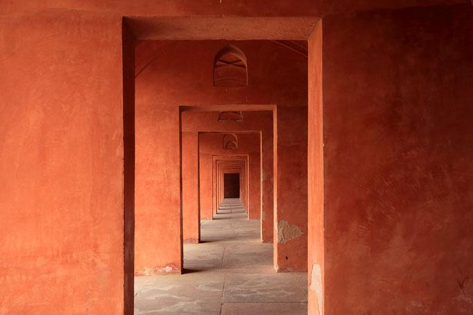 Durchblicke am Eingang zum Taj Mahal