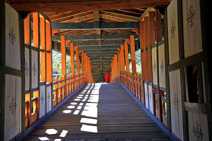 Punakha-Brücke über den Mo Chhu (Mutter-Fluss)
