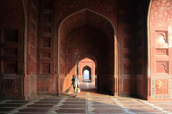 Moschee westlich vom Taj Mahal