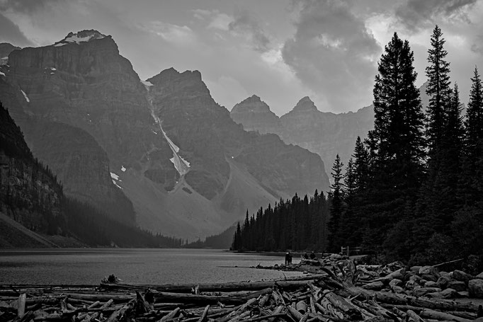 Moraine Lake, Banff Nat. Park, Alberta