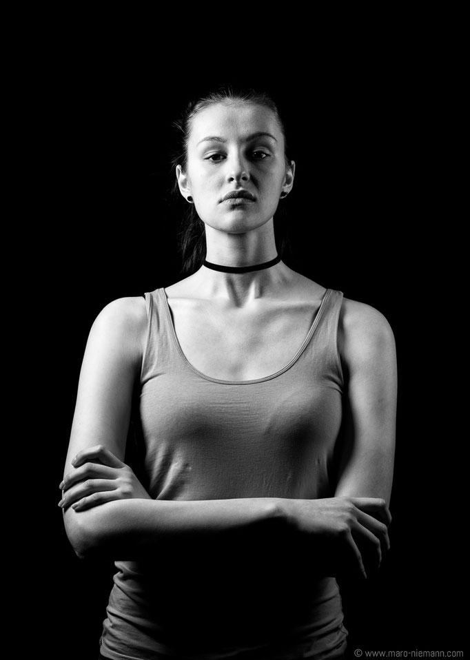 Karyna Hardzeichyk - Stage Actress