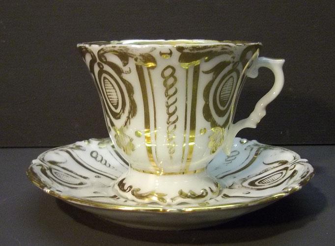 4353/ Tasse + Untertasse ~1860, ohne Marke, H 7,5cm, Gold leicht abgenutzt, EUR 32,-