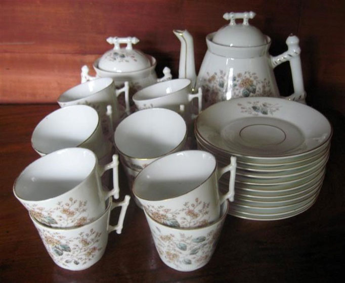2586/Kaffee-Service ~1900, o. Marke, 25 Teile, Abplatzer, EUR 35,-