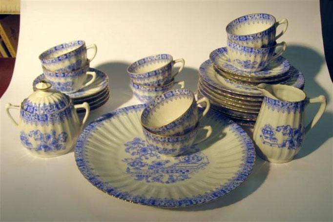 "2728/Service ""China Blau"", 1910-1960, div. Marken, 19 Teile, EUR 75,-"