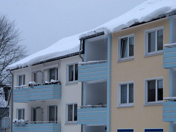 Dachlawinen, Essen-Frohnhausen, Dezember 2010
