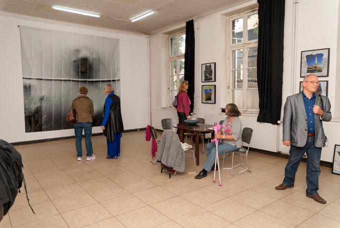 Lore Klar und Edelgard Stryzewski-Dullien im Erdgeschoss