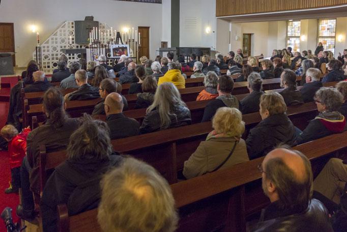 Trauergottesdienst in der Apostelkirche in Essen-Frohnhausen am 17. März 2017