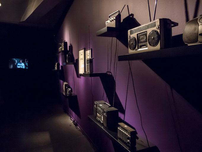 Imaginary Landscape, 12 Radios