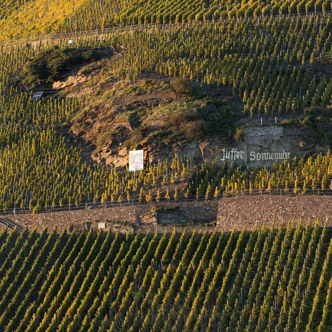 """Braunebergs Weinlage """"Juffer Sonnenuhr"""" - weltbekannt. Ferienhaus bei Bernkastel-Kues"""