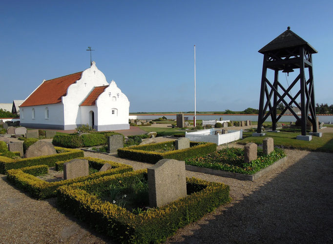 Alte Kirche und Friedhof auf Mandø. Foto: C. Schumann
