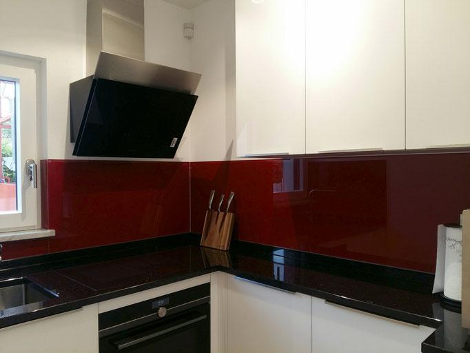 Glasrückwand, Küchenrückwand nach RAL Farbe - © Glaserei Allgäuer