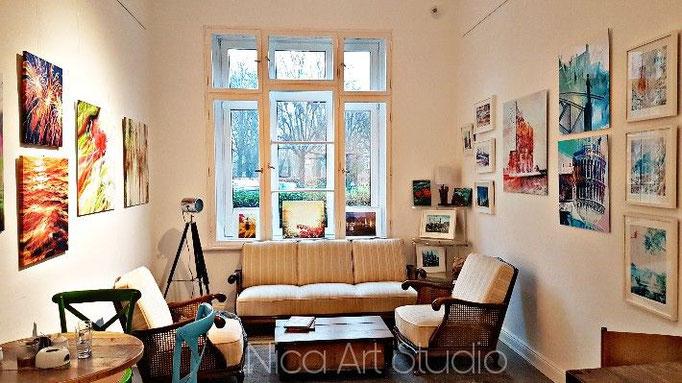 Ausschnitt des Ausstellungsraumes von Nica bei der Galerieka, nach der Hängung