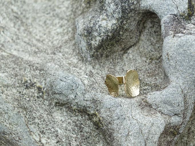 Bague Nori martelée - laiton plaqué or