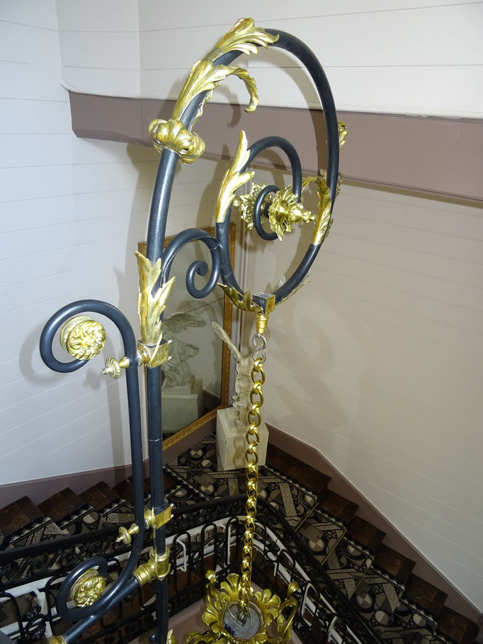 Crosse de suspente datant du 19è siècle conçue pour l'éclairage au gaz