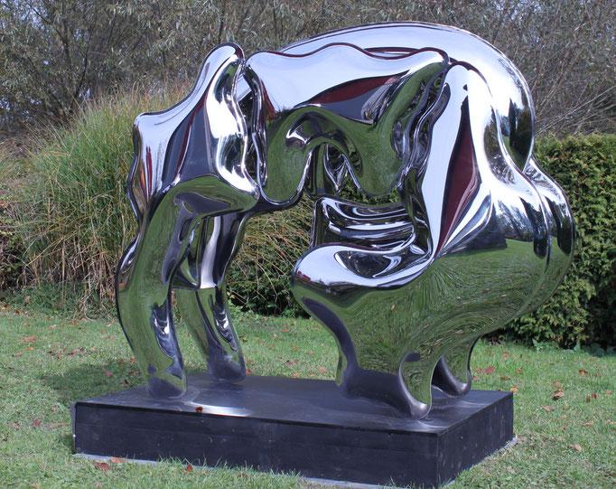 """THOMAS KÜHNAPFEL  """"Animal"""" Edelstahl, geschweißt, mit Wasserdruck geformt 130 x 140 x 70 cm , verkauft😄"""
