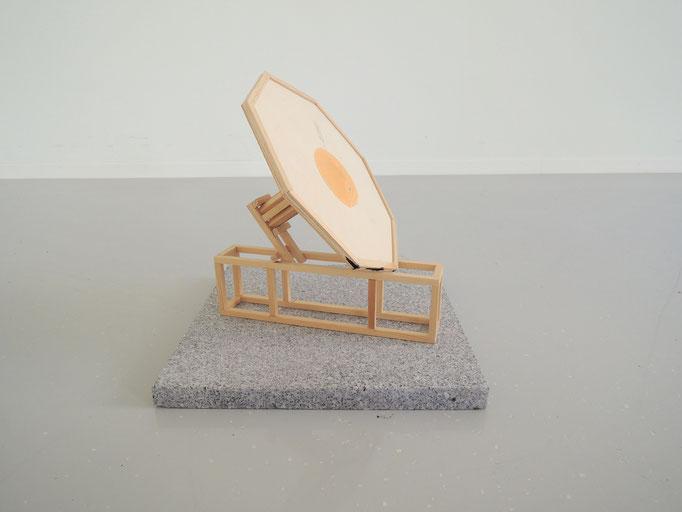 Oktavia Schreiner, Dünung 7, 2016, Holz, Beize, Granit