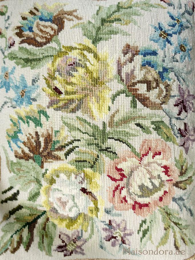 Antikes Sofakissen Petit Point Stickerei Vintage Pillow