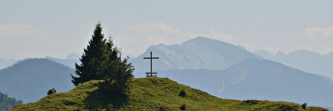 Mai - Kreuz an der Achalaalm