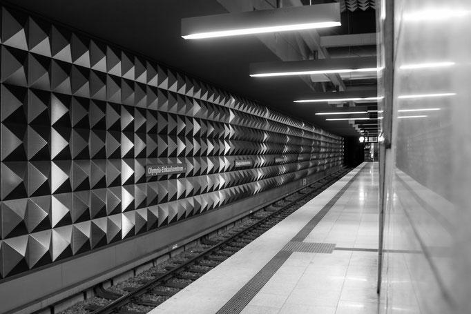 U-Bahnstation München Olympiaeinkaufszentrum