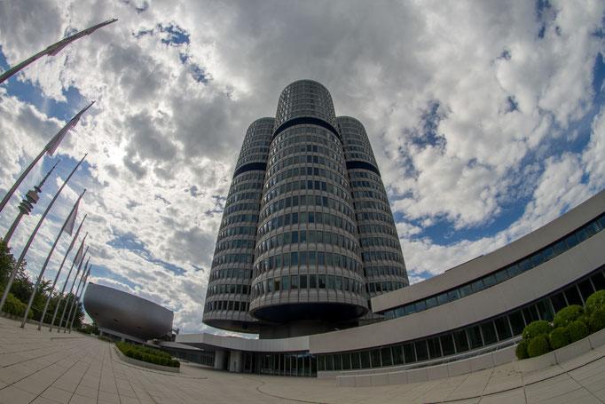 """BMW-Zentrale """"Vierzylinder"""""""